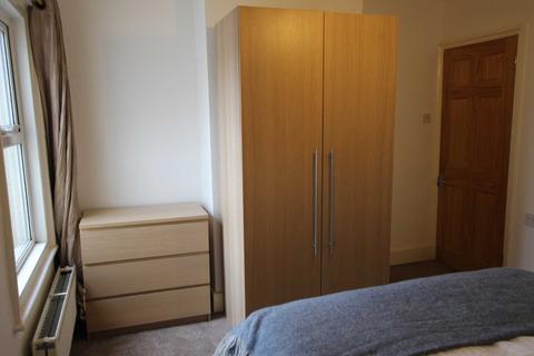 3 bedroom house to rent - Waldeck Street