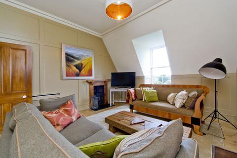 2 bedroom flat - 106 (4F1) Raeburn Place, Stockbridge, Edinburgh, EH4 1HH