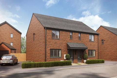 3 bedroom terraced house for sale - Plot 228, The Hanbury   at Oakhurst Village, Stratford Road B90