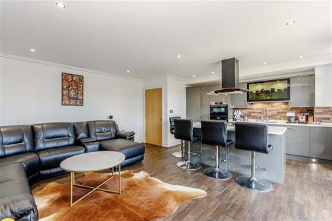 2 bedroom flat for sale - Point Wharf Lane, Brentford, TW8