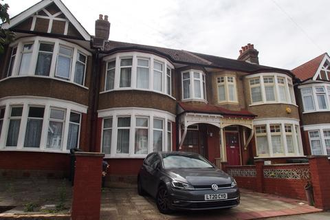 3 bedroom terraced house - London , n13