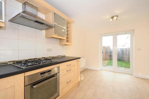 3 bedroom terraced house to rent - Harrier Way, Bracknell, RG12