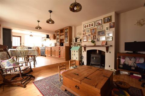 3 bedroom semi-detached house for sale - Albert Road, Keynsham, Bristol, Somerset, BS31