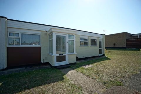 2 bedroom detached bungalow for sale - Clerks Piece, Beccles