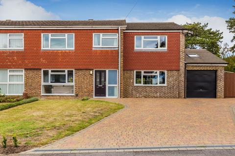 4 bedroom semi-detached house for sale - Durfold Drive, Reigate