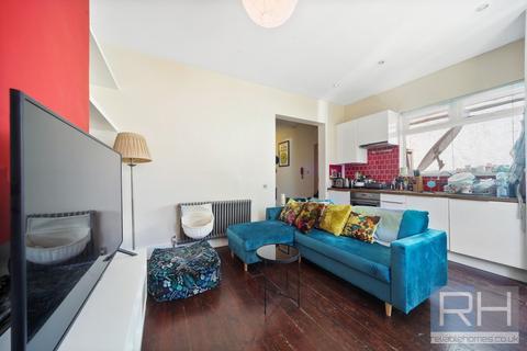 2 bedroom ground floor flat for sale - Whittington Road, London, N22