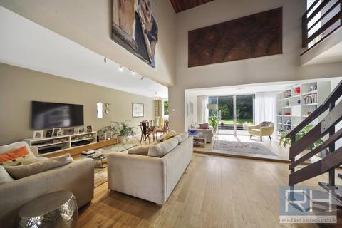 4 bedroom detached house for sale - Tenterden Gardens, NW4