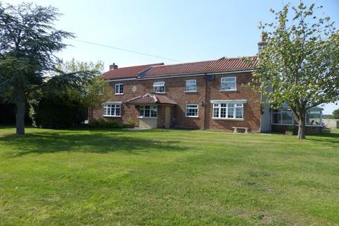 6 bedroom farm house to rent - Moor Lane