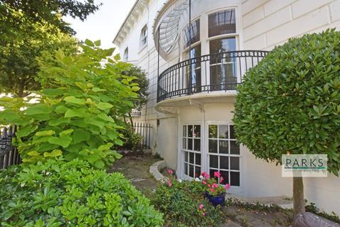 Studio to rent - Montpelier Villas, Brighton, BN1