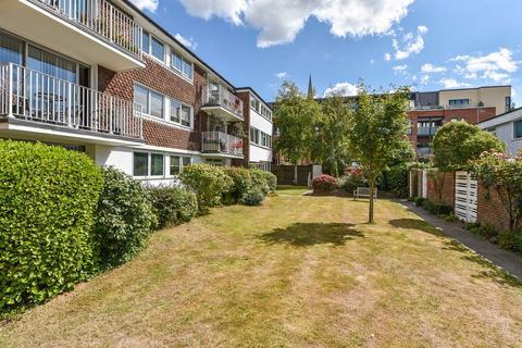 2 bedroom apartment for sale - Lancastrian Grange, Chichester