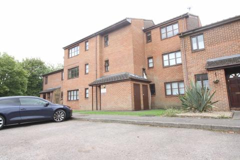 Studio to rent - New Court, Uxbridge