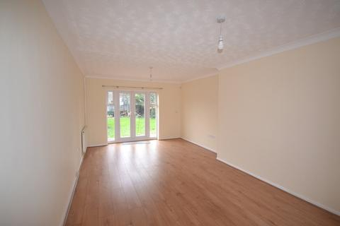 3 bedroom terraced house to rent - Barley Lane, Ilford