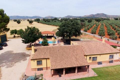 4 bedroom townhouse - Povedilla, Albacete