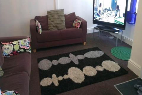 6 bedroom house share to rent - Knowle Terrace (Room 1), Burley, Leeds