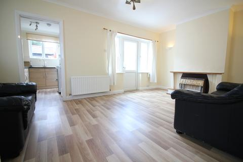 3 bedroom semi-detached house to rent - Lansbury Drive, Hayes UB4
