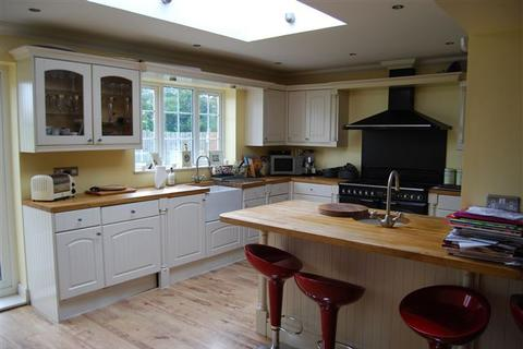 7 bedroom end of terrace house to rent - Norwich Close, Brighton
