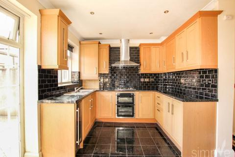 3 bedroom house to rent - Dawley Road, Hayes, Middlesex