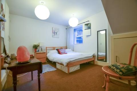 1 bedroom house share to rent - Kyverdale Road, Stoke Newington N16