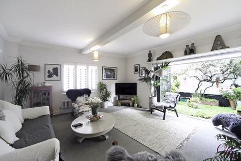 2 bedroom detached house for sale - Malden Road, Cheltenham Town Centre