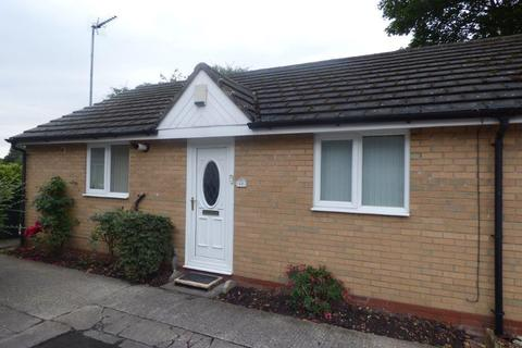 2 bedroom semi-detached bungalow to rent - St Johns Court, Clough Road, Hull