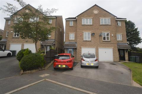 4 bedroom semi-detached house to rent - Summerley Court, Idle, Bradford