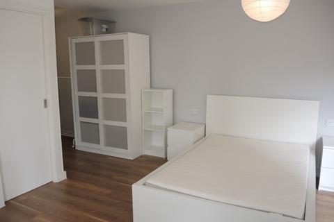 Studio to rent - Nation Way, City Centre, Liverpool, L1 4LB