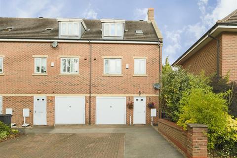 3 bedroom townhouse for sale - Gilbert Boulevard, Arnold, Nottinghamshire, NG5 7NA