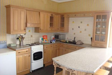4 bedroom flat to rent - Readhead Avenue, South Shields
