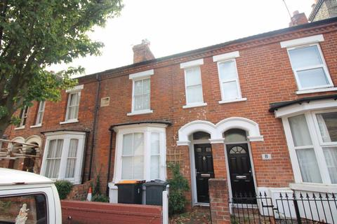 3 bedroom house to rent - Castle Rd - REF P1912