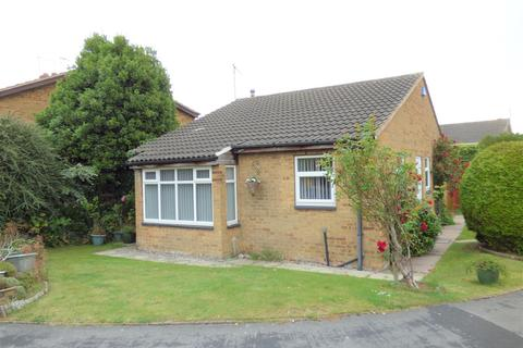 2 bedroom detached bungalow for sale - Northdale Park, Swanland