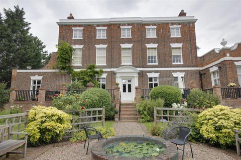 3 bedroom apartment for sale - The Manor House, Woodgates Lane, North Ferriby