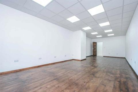 Office to rent - Lyon Way, Greenford