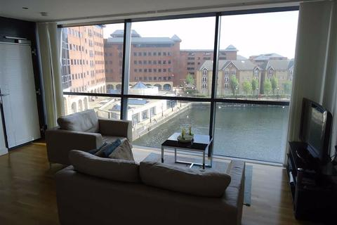 1 bedroom flat to rent - Millennium Point, 254 The Quays, Salford Quays