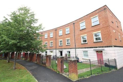 2 bedroom flat for sale - Fairby Close, TIVERTON