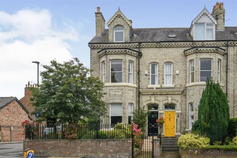 6 bedroom townhouse for sale - Bishopthorpe Road, York