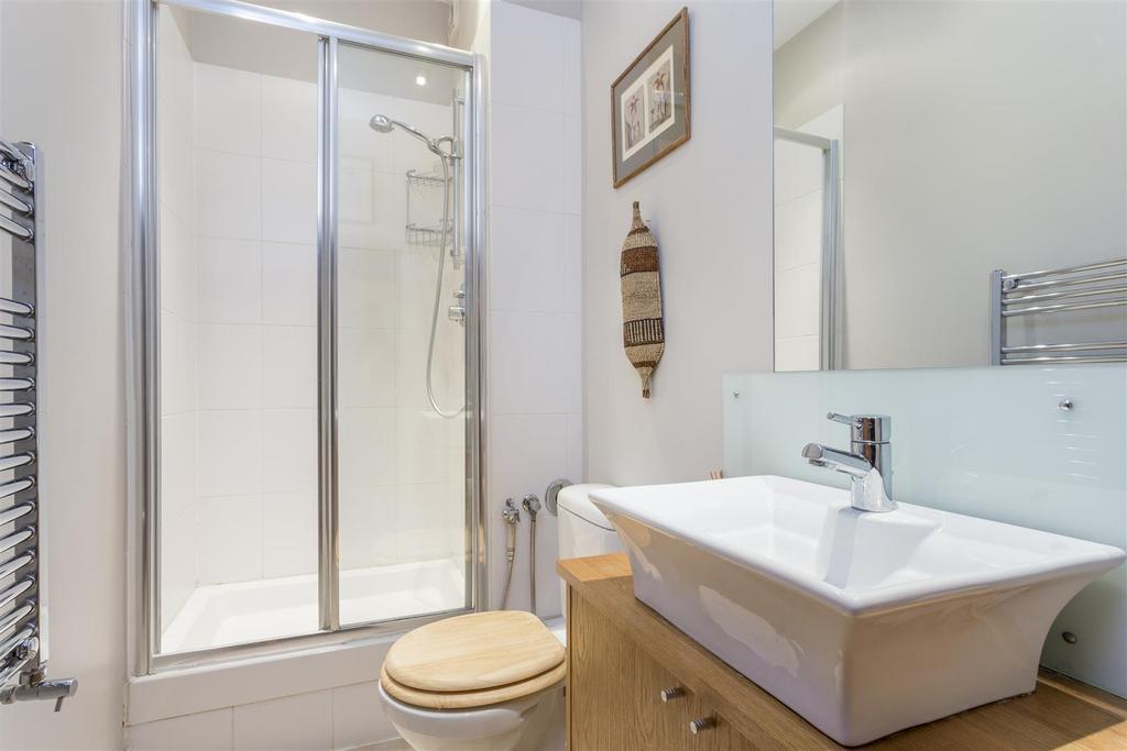 Bollingbroke Road   Bathroom Edit.jpg