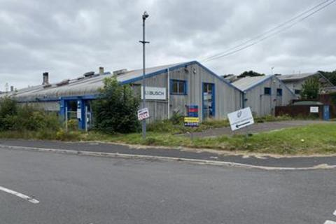 Industrial unit to rent - Unit 2, Sir Alfred Owen Way, Pontygwindy Industrial Estate, Caerphilly