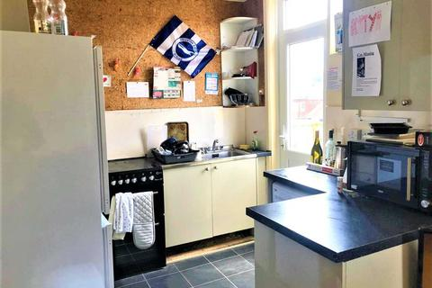 4 bedroom apartment to rent - Dudley Road, Brighton