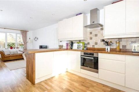 2 bedroom end of terrace house to rent - Wythemede, Binfield, Bracknell, Berkshire, RG42