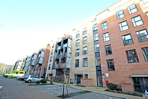 2 bedroom flat - Pulse Court , Maxwell Road , Romford , RM7 0FF