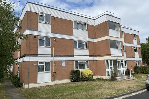 2 bedroom flat for sale - Laleham Road, Staines Upon Thames, TW18
