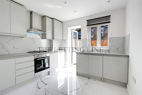 3 bedroom terraced house to rent - Batley Road, Enfield, Middlesex, EN2