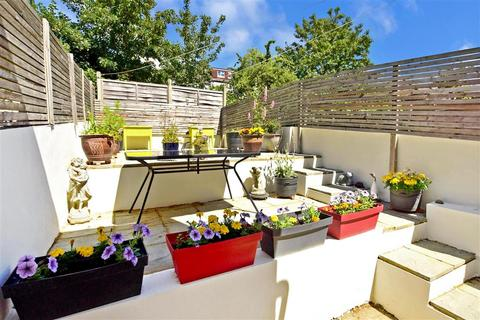 2 bedroom ground floor flat for sale - Coombe Road, Brighton, East Sussex