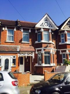 5 bedroom terraced house to rent - Avonwick Road, Hounslow, Greater London, TW3