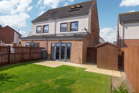 3 bedroom townhouse for sale - Whitworth Park Drive, Elba Park, Houghton Le Spring, Tyne and Wear, DH4 6GN
