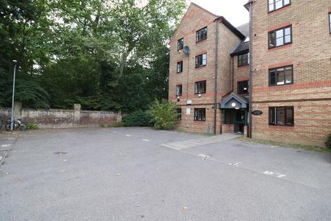 2 bedroom flat to rent - Fairmont House, Wellington Way, Bow, London E3