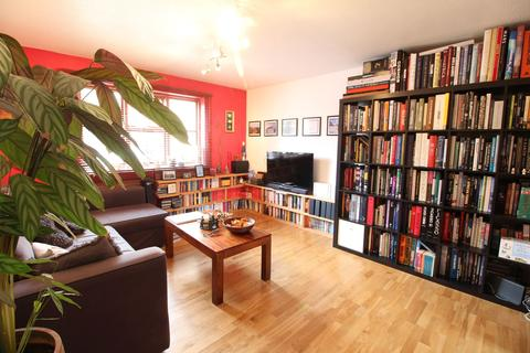 2 bedroom apartment to rent - Pages Hill, Muswell Hill N10