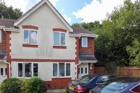 2 bedroom semi-detached house to rent - Blackett Road, Crawley