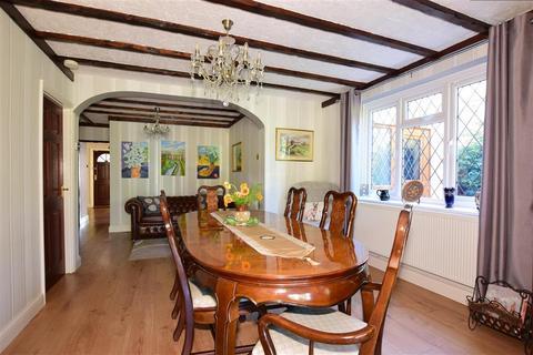 4 bedroom detached bungalow for sale - Crowhurst Lane, West Kingsdown, Sevenoaks, Kent