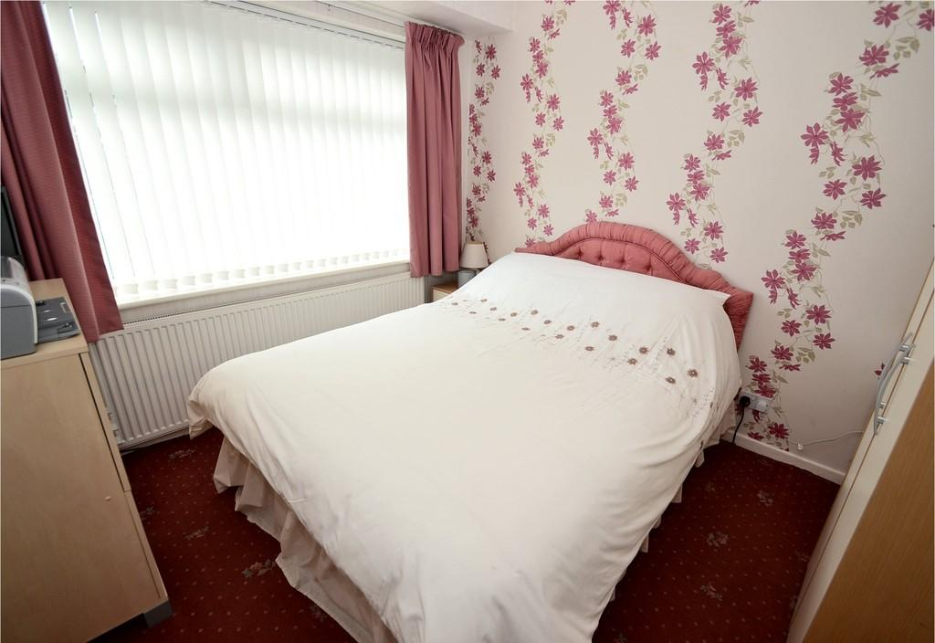 Elmsway, High Lane, Stockport SK6 8BT 3 bed detached bungalow for ...